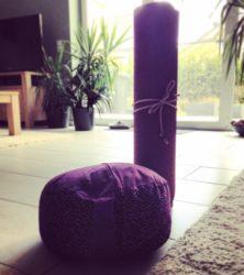 Yoga: Von Porzellan-Elefanten und Räucherkerzen